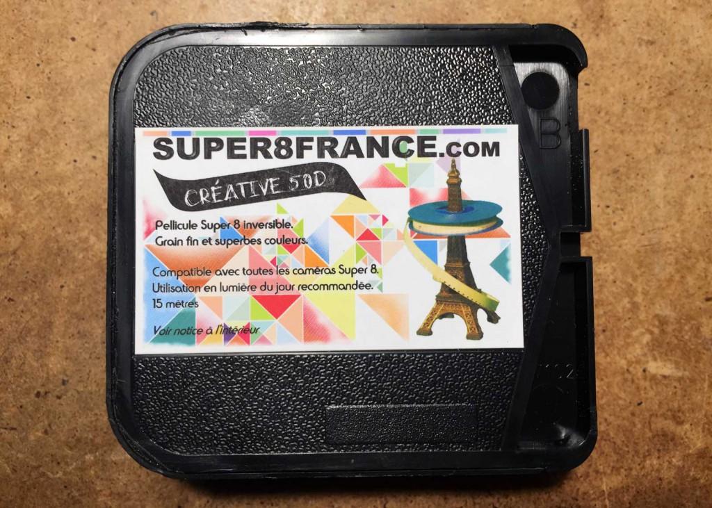 Hübsch bunt: Die korrekt gekerbte Kodakkassette