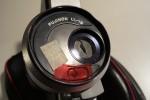 Ein Stück Filterfolie vor der Meßzelle der Belichtungsautomatik liefert die gewünschte Blendenkorrektur.